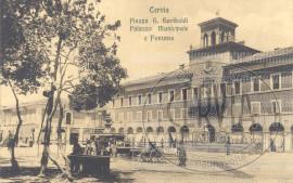 Cervia - Piazza G. Garibaldi Palazzo Municipale e Fontana