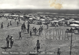 Ombrelloni sulla spiaggia