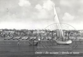 Cervia - La spiaggia - Barche a riposo